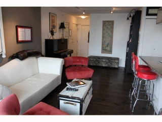 "Main Photo: 1806 1082 SEYMOUR Street in Vancouver: Downtown VW Condo for sale in ""FREESIA"" (Vancouver West)  : MLS(r) # V817432"