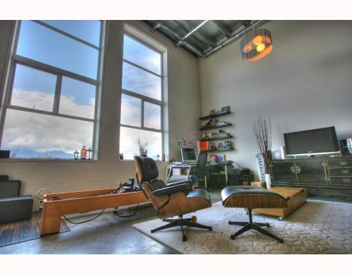 "Photo 6: 201 1220 E PENDER Street in Vancouver: Mount Pleasant VE Condo for sale in ""The Workshop"" (Vancouver East)  : MLS(r) # V768292"