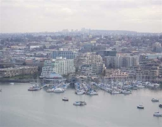 "Main Photo: 2705 428 BEACH CR in Vancouver: False Creek North Condo for sale in ""KINGS LANDING"" (Vancouver West)  : MLS(r) # V568021"
