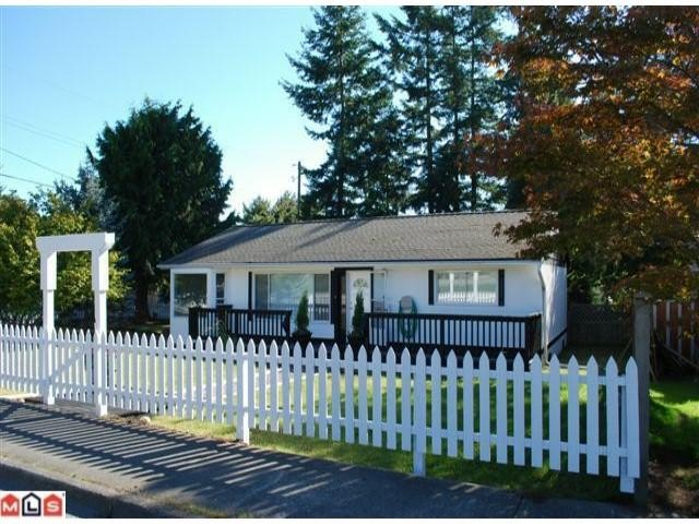 Main Photo: 13654 N BLUFF Road: White Rock House for sale (South Surrey White Rock)  : MLS® # F1025010
