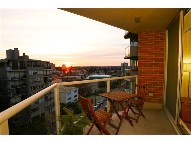 "Photo 9: 801 1575 W 10TH Avenue in Vancouver: Fairview VW Condo for sale in ""THE TRITON"" (Vancouver West)  : MLS(r) # V862068"