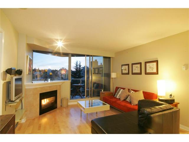 "Main Photo: 801 1575 W 10TH Avenue in Vancouver: Fairview VW Condo for sale in ""THE TRITON"" (Vancouver West)  : MLS® # V862068"