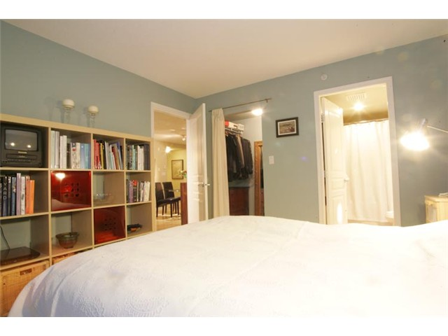 "Photo 7: 801 1575 W 10TH Avenue in Vancouver: Fairview VW Condo for sale in ""THE TRITON"" (Vancouver West)  : MLS(r) # V862068"