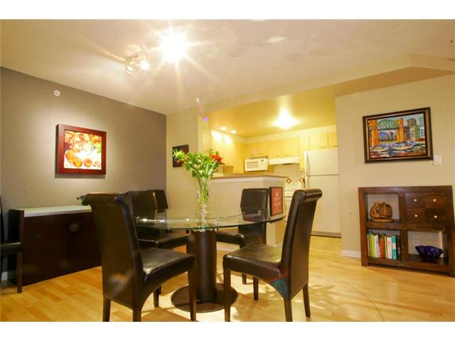 "Photo 3: 801 1575 W 10TH Avenue in Vancouver: Fairview VW Condo for sale in ""THE TRITON"" (Vancouver West)  : MLS(r) # V862068"