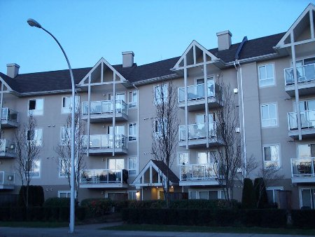 Main Photo: 211 8110 120 A Street: Condo for sale (Queen Mary Park)  : MLS® # F2506139