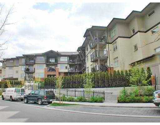 "Main Photo: 208 400 KLAHANIE Drive in Port Moody: Port Moody Centre Condo for sale in ""TIDES AT KLAHANIE"" : MLS® # V756549"