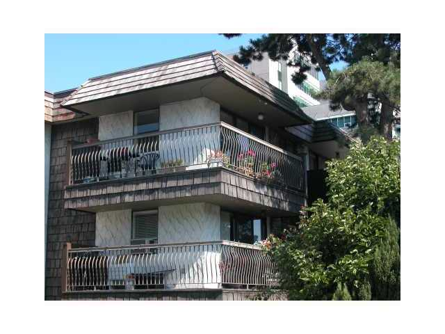 "Main Photo: 307 2777 OAK Street in Vancouver: Fairview VW Condo for sale in ""TWELVE OAKS"" (Vancouver West)  : MLS® # V826001"