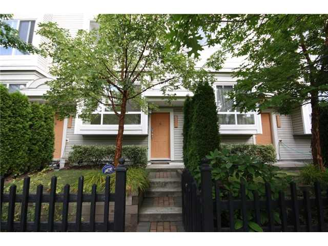 "Main Photo: 6711 VILLAGE Grove in Burnaby: Highgate Townhouse for sale in ""MONTEREY"" (Burnaby South)  : MLS® # V849378"