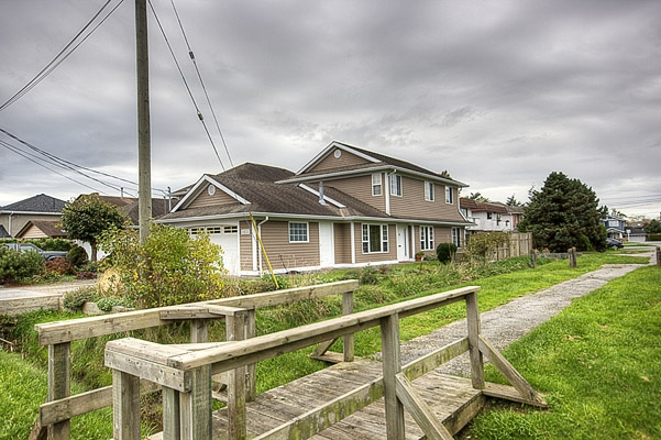 Photo 2: 11131 6TH Avenue in Richmond: Steveston Villlage House for sale : MLS® # V856012