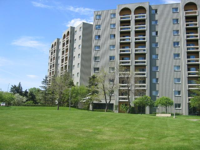 Main Photo: 3000 Pembina Highway in WINNIPEG: Fort Garry / Whyte Ridge / St Norbert Condominium for sale (South Winnipeg)  : MLS® # 1007677