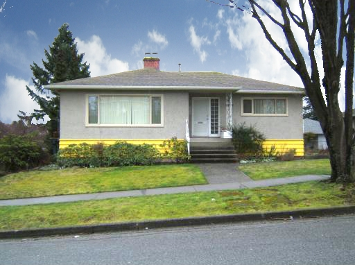 "Main Photo: 4770 DUCHESS Street in Vancouver: Collingwood VE House for sale in ""COLLINGWOOD"" (Vancouver East)  : MLS® # V809813"
