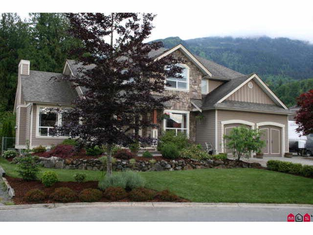 "Main Photo: 9986 JADE Place in Chilliwack: Rosedale Popkum House for sale in ""EMERALD GLEN"" (Rosedale)  : MLS® # H1004880"