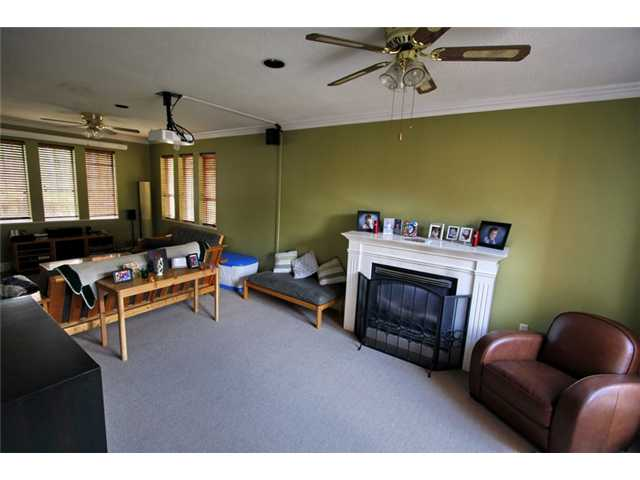 Photo 3: 469 GLENBROOK Drive in New Westminster: Fraserview NW House for sale : MLS(r) # V849709
