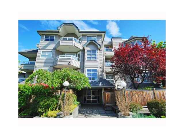 "Main Photo: 303 1481 E 4TH Avenue in Vancouver: Grandview VE Condo for sale in ""SCENIC VILLA"" (Vancouver East)  : MLS® # V833401"