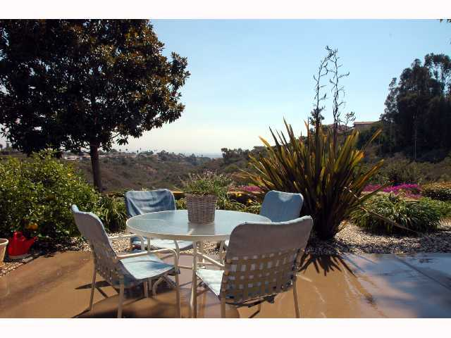 Photo 2: LA JOLLA Home for sale or rent : 2 bedrooms : 2259 Via Tabara