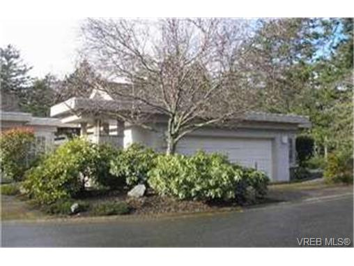Main Photo: 24 928 Bearwood Lane in VICTORIA: SE Broadmead Townhouse for sale (Saanich East)  : MLS® # 240522