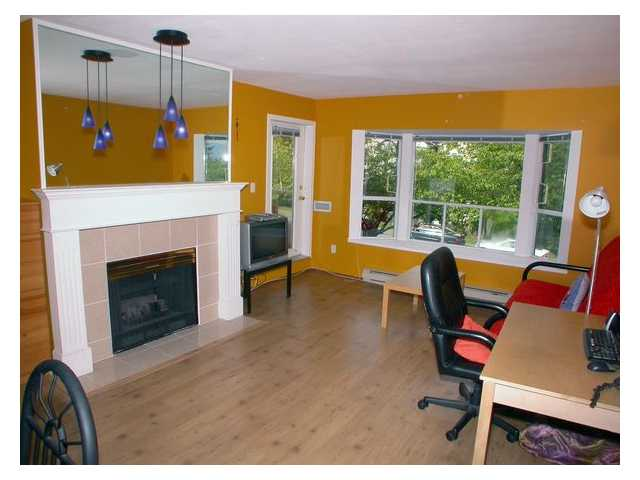 "Photo 2: 201 5568 BARKER Avenue in Burnaby: Central Park BS Condo for sale in ""PARK VISTA"" (Burnaby South)  : MLS(r) # V829203"