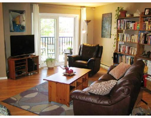"Main Photo: 205 1450 E 7TH Avenue in Vancouver: Grandview VE Condo for sale in ""RIDGEWAY PL"" (Vancouver East)  : MLS(r) # V721493"