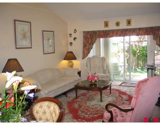 "Photo 5: 35 8567 164TH Street in Surrey: Fleetwood Tynehead Townhouse for sale in ""Monta Rosa"" : MLS® # F2821022"