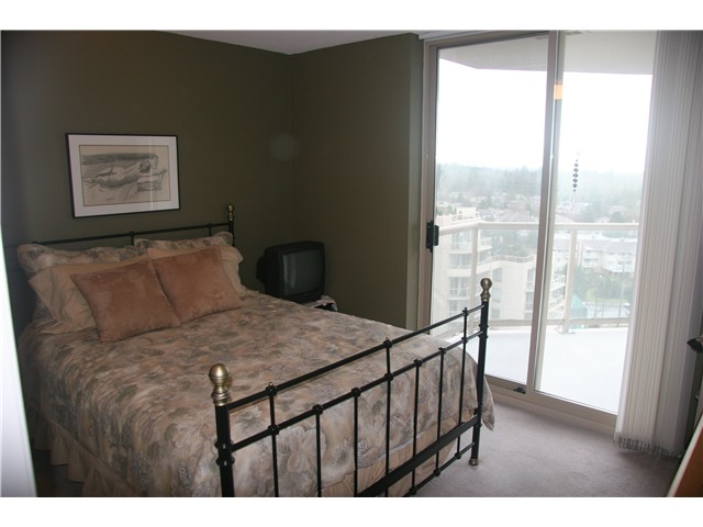 "Photo 8: 1203 1199 EASTWOOD Street in Coquitlam: North Coquitlam Condo for sale in ""2010"" : MLS(r) # V863673"