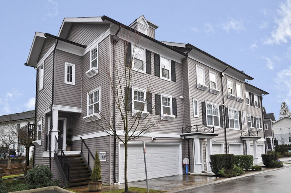 "Main Photo: 72 15075 60TH Avenue in Surrey: Sullivan Station Townhouse for sale in ""NATURES WALK"" : MLS® # F1101186"