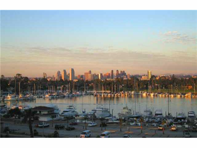 Main Photo: CORONADO SHORES Condo for sale : 3 bedrooms : 1810 Avenida Del Mundo #PH06 in Coronado
