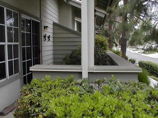 Photo 5: CLAIREMONT Residential for sale : 3 bedrooms : 3295 East Fox Run Way in San Diego