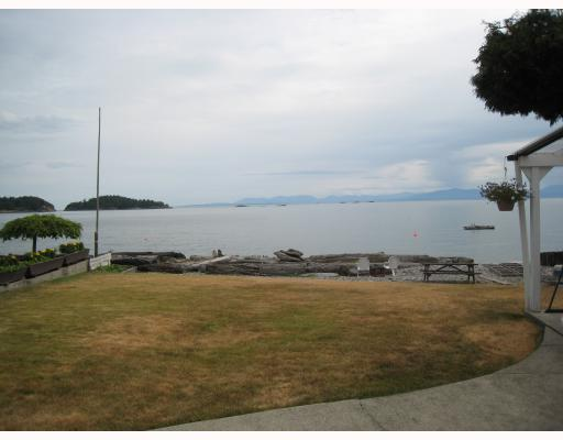 "Photo 8: Photos: 6879 SUNSHINE COAST Highway in Sechelt: Sechelt District House for sale in ""THE GOLDEN MILE"" (Sunshine Coast)  : MLS® # V774081"