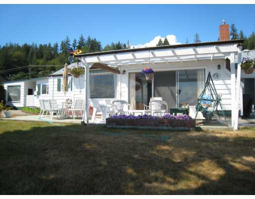 "Photo 2: Photos: 6879 SUNSHINE COAST Highway in Sechelt: Sechelt District House for sale in ""THE GOLDEN MILE"" (Sunshine Coast)  : MLS® # V774081"