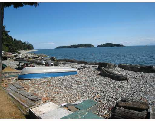 "Photo 3: Photos: 6879 SUNSHINE COAST Highway in Sechelt: Sechelt District House for sale in ""THE GOLDEN MILE"" (Sunshine Coast)  : MLS® # V774081"