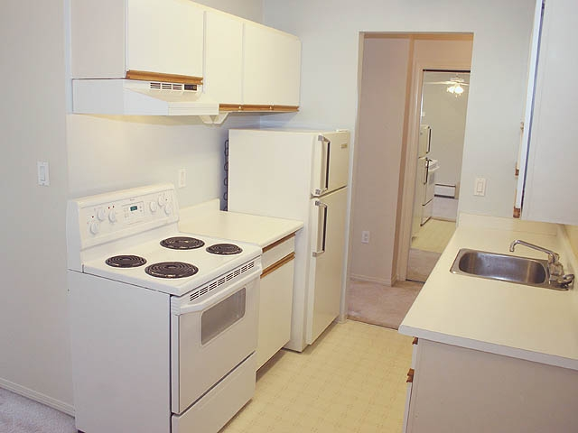 "Photo 2: 309 9477 COOK Street in Chilliwack: Chilliwack N Yale-Well Condo for sale in ""WINDSOR PINES"" : MLS® # H2903371"
