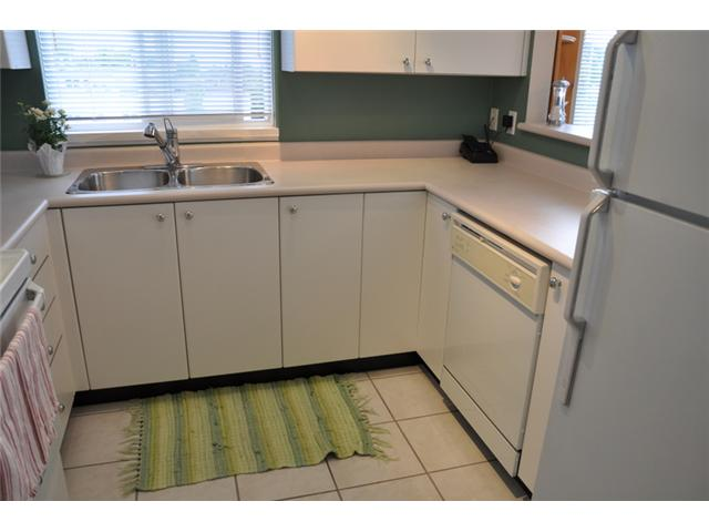 "Photo 4: 403 3590 W 26TH Avenue in Vancouver: Dunbar Condo for sale in ""DUNBAR HEIGHTS"" (Vancouver West)  : MLS(r) # V845387"