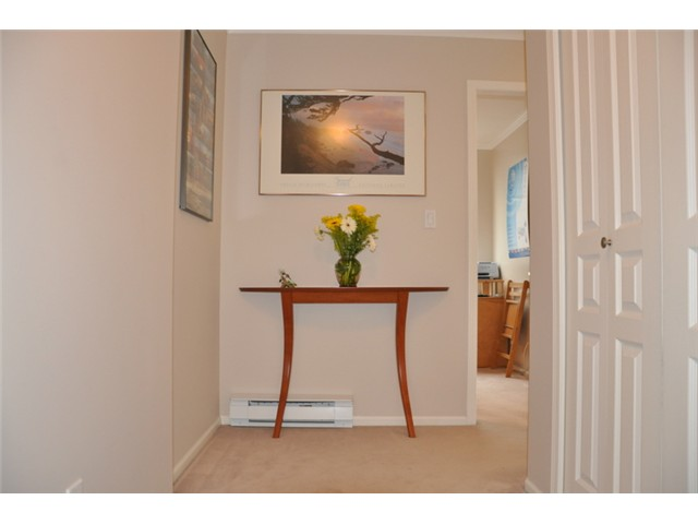 "Photo 2: 403 3590 W 26TH Avenue in Vancouver: Dunbar Condo for sale in ""DUNBAR HEIGHTS"" (Vancouver West)  : MLS® # V845387"