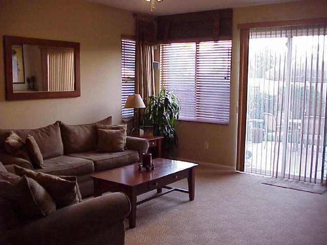 Photo 3: CHULA VISTA Residential for sale : 3 bedrooms : 1304 Pinnacle Peak Dr
