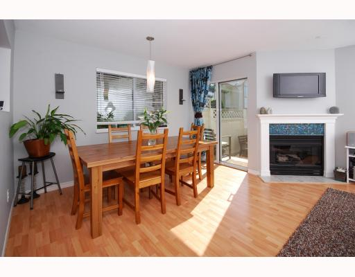 "Photo 9: 13 40200 GOVERNMENT Road in Squamish: Garibaldi Estates Townhouse for sale in ""VIKING RIDGE"" : MLS® # V777681"