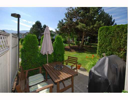 "Photo 2: 13 40200 GOVERNMENT Road in Squamish: Garibaldi Estates Townhouse for sale in ""VIKING RIDGE"" : MLS® # V777681"