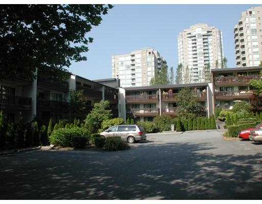 "Main Photo: 215 9847 MANCHESTER Drive in Burnaby: Cariboo Condo for sale in ""BARCLAY WOODS."" (Burnaby North)  : MLS®# V726382"