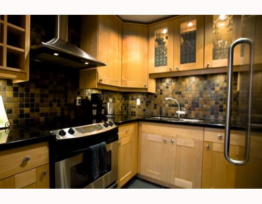 Photo 3: 141 W 13TH Avenue in Vancouver: Mount Pleasant VW Townhouse for sale (Vancouver West)  : MLS(r) # V747625