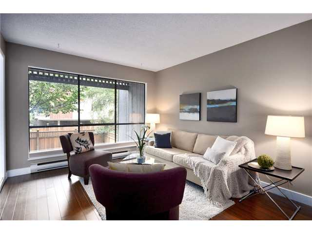 "Main Photo: 211 2173 W 6TH Avenue in Vancouver: Kitsilano Condo for sale in ""THE MALIBU"" (Vancouver West)  : MLS® # V845749"