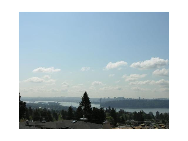Main Photo: 2197 QUEENS Avenue in West Vancouver: Queens House for sale : MLS® # V859096