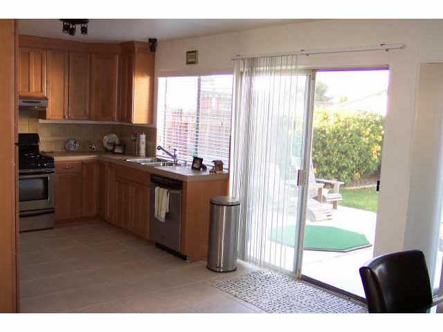 Photo 4: MIRA MESA House for sale : 3 bedrooms : 7646 Acaso Ct. in San Diego
