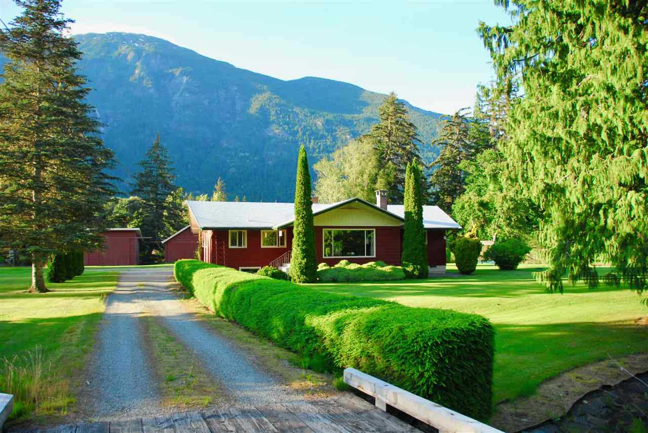 FEATURED LISTING: 944 MACKENZIE Highway Bella Coola