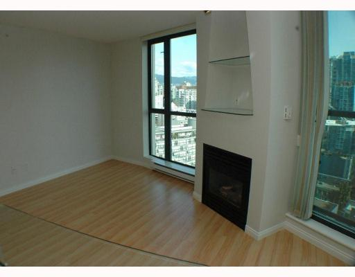 Photo 4: 2308 501 PACIFIC Street in Vancouver: Downtown VW Condo for sale (Vancouver West)  : MLS(r) # V810205