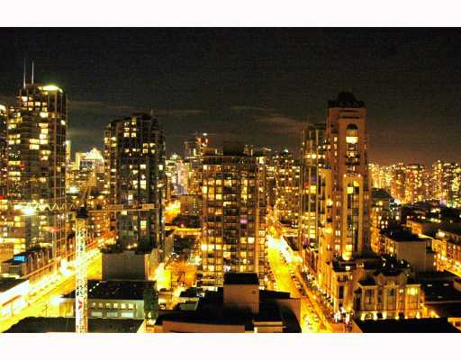 Photo 2: 2308 501 PACIFIC Street in Vancouver: Downtown VW Condo for sale (Vancouver West)  : MLS(r) # V810205