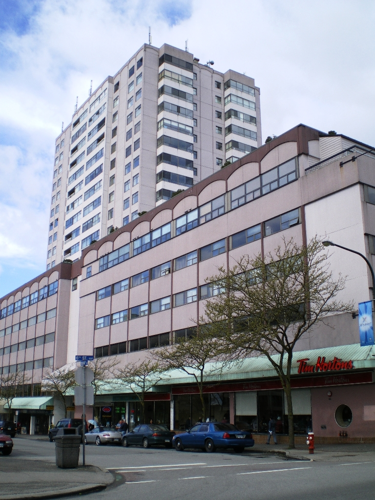 "Main Photo: # 1107 - 615 Belmont Street in New Westminster: Uptown NW Condo for sale in ""BELMONT TOWERS"" : MLS(r) # V830209"