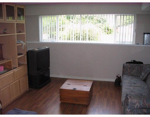 Photo 8: 850 PATRICIA Avenue in Port_Coquitlam: Lincoln Park PQ House 1/2 Duplex for sale (Port Coquitlam)  : MLS® # V726272