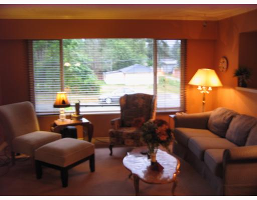 Photo 2: 850 PATRICIA Avenue in Port_Coquitlam: Lincoln Park PQ House 1/2 Duplex for sale (Port Coquitlam)  : MLS® # V726272