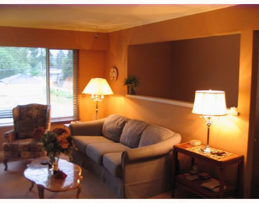 Photo 3: 850 PATRICIA Avenue in Port_Coquitlam: Lincoln Park PQ House 1/2 Duplex for sale (Port Coquitlam)  : MLS® # V726272