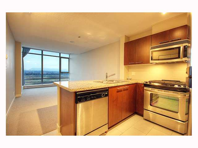 "Photo 4: 1202 9171 FERNDALE Road in Richmond: McLennan North Condo for sale in ""THE FULLERTON"" : MLS(r) # V809156"