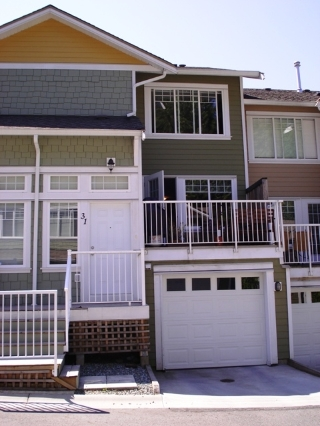 "Main Photo: 31 6110 138TH Street in Surrey: Sullivan Station Townhouse for sale in ""Seneca Woods"" : MLS®# F2820978"
